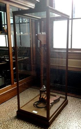Staande vitrines voor Teylers Museum Haarlem