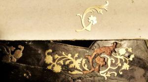 klok-inlegwerk-boule-missende-krul-bijmaken-2-spelbos-antiek-restauratie-meubelrestauratie-utrecht