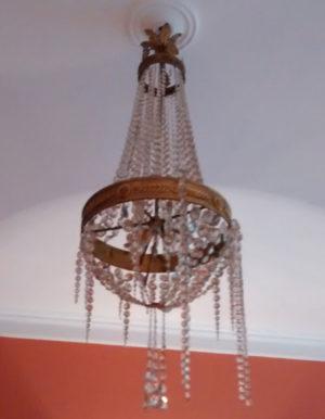kristallen-kroonluchter-verhuisschade-voor-restauratie-spelbos-antiek-restauratie-meubelrestauratie-utrecht