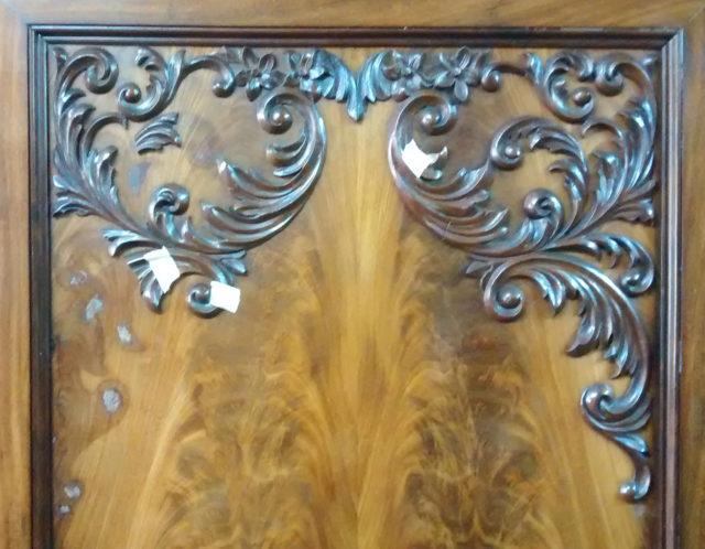 ontbrekend-snijwerk-op-kast-bijmaken-1-spelbos-antiek-voor-restauratie-meubelrestauratie-utrecht