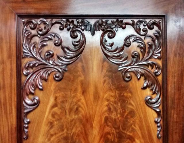 ontbrekend-snijwerk-op-kast-bijmaken-3-spelbos-antiek-na-restauratie-meubelrestauratie-utrecht