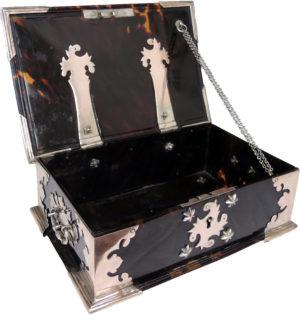 schildpad-kistje--na-restauratie-4-spelbos-antiek-restauratie-meubelrestauratie-utrecht