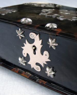 schildpad-kistje--na-restauratie-5-spelbos-antiek-restauratie-meubelrestauratie-utrecht
