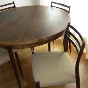 Palissander eetkamerset uittrekbare tafel en vier stoelen door Moller, Denemarken, jaren '60