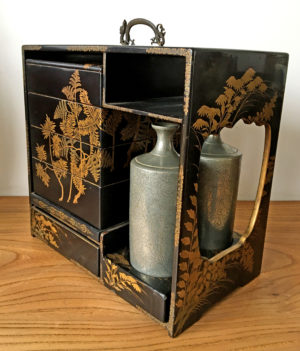 antique japanese bentobox ca 1900 laquer and gilt