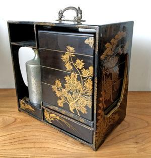 antique japanese bentobox ca 1900 laquer and gilt